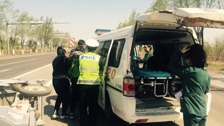 29秒丨暖心!巡逻途中遇事故 阳信民警及时救助一名受伤女子