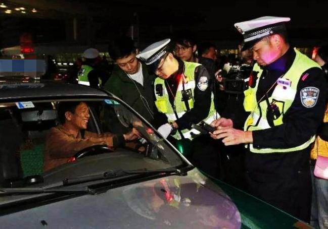 """潍坊高新区""""曝光""""逾期未报废车辆信息 一旦被查最高罚2000元"""