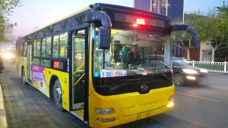 高铁旅客夜间出行更便捷!潍坊开通111路夜间公交专线(北站)