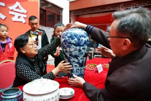 潍坊举办免费鉴宝大会 300名藏友携宝参与