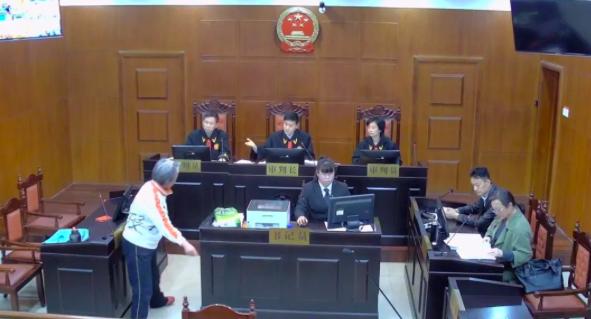 咆哮法庭躺地大喊 济南一女当事人被法院处罚拘留15日