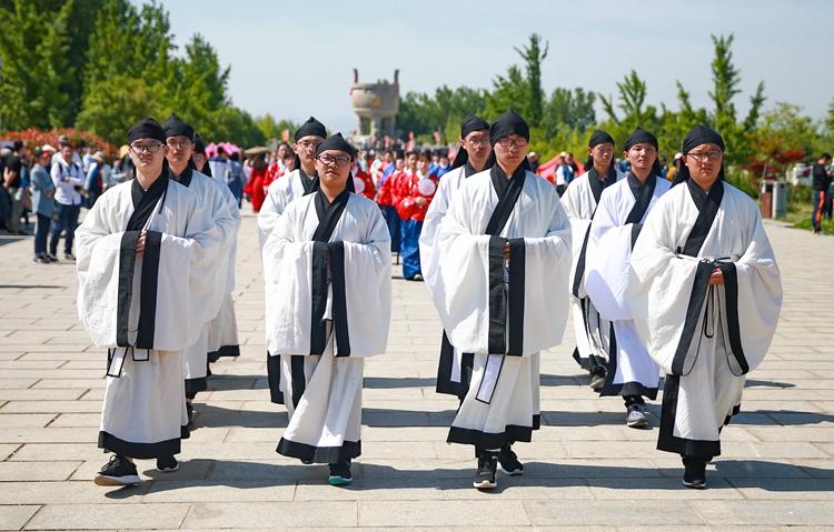 组图 汉服巡游、女子礼射、汉服舞蹈……沂蒙山这样庆五一