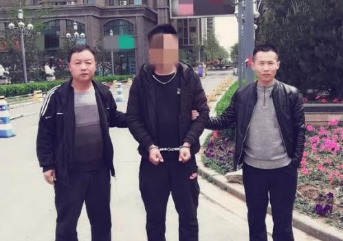 """失恋后竟持刀抢劫出租车 寿光""""任性""""小伙被刑拘"""