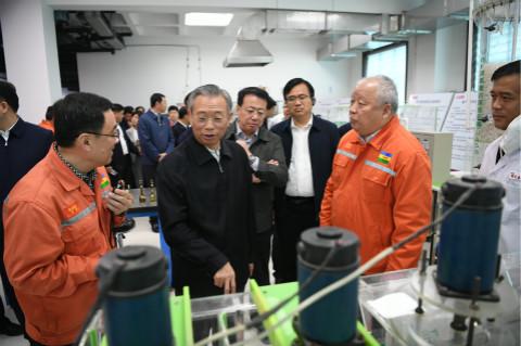 全省新旧动能转换项目推进会丨鲁西化工:打破国际垄断!首家掌握光气法聚碳酸酯技术的中国企业