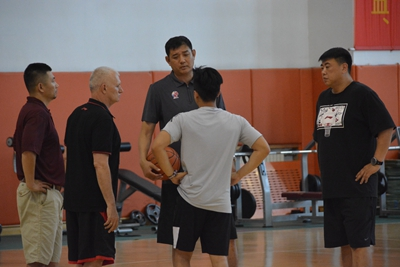 山东男篮教练组又添新人 巩晓彬再度回应小丁问题