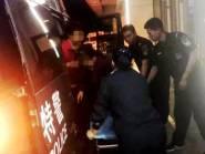 寿光待产孕妇凌晨被困路边 4名民警驾车紧急送医