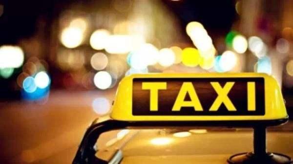 """97秒丨关注济南出租车""""份子钱"""" 的哥:一个月4000多,5年没降!"""