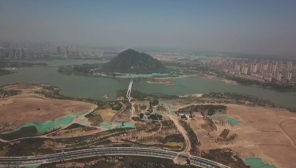 56秒丨济南华山湖挖湖千万方渣土去哪了? 这两座山体将发生巨变!
