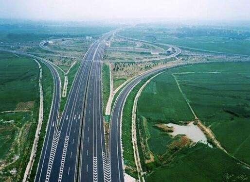 1—4月份山东综合交通基础设施投资完成378.67亿,公路建设投资超200亿