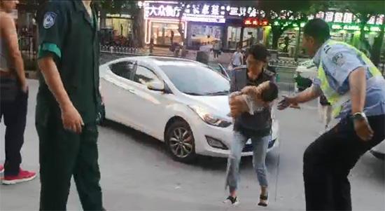 滨州一幼儿误食药品急需转院 交警开道40分钟路程仅用10分钟到达