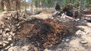 62秒|菏泽一农户家中电路老化引起火灾 村民消防齐救援