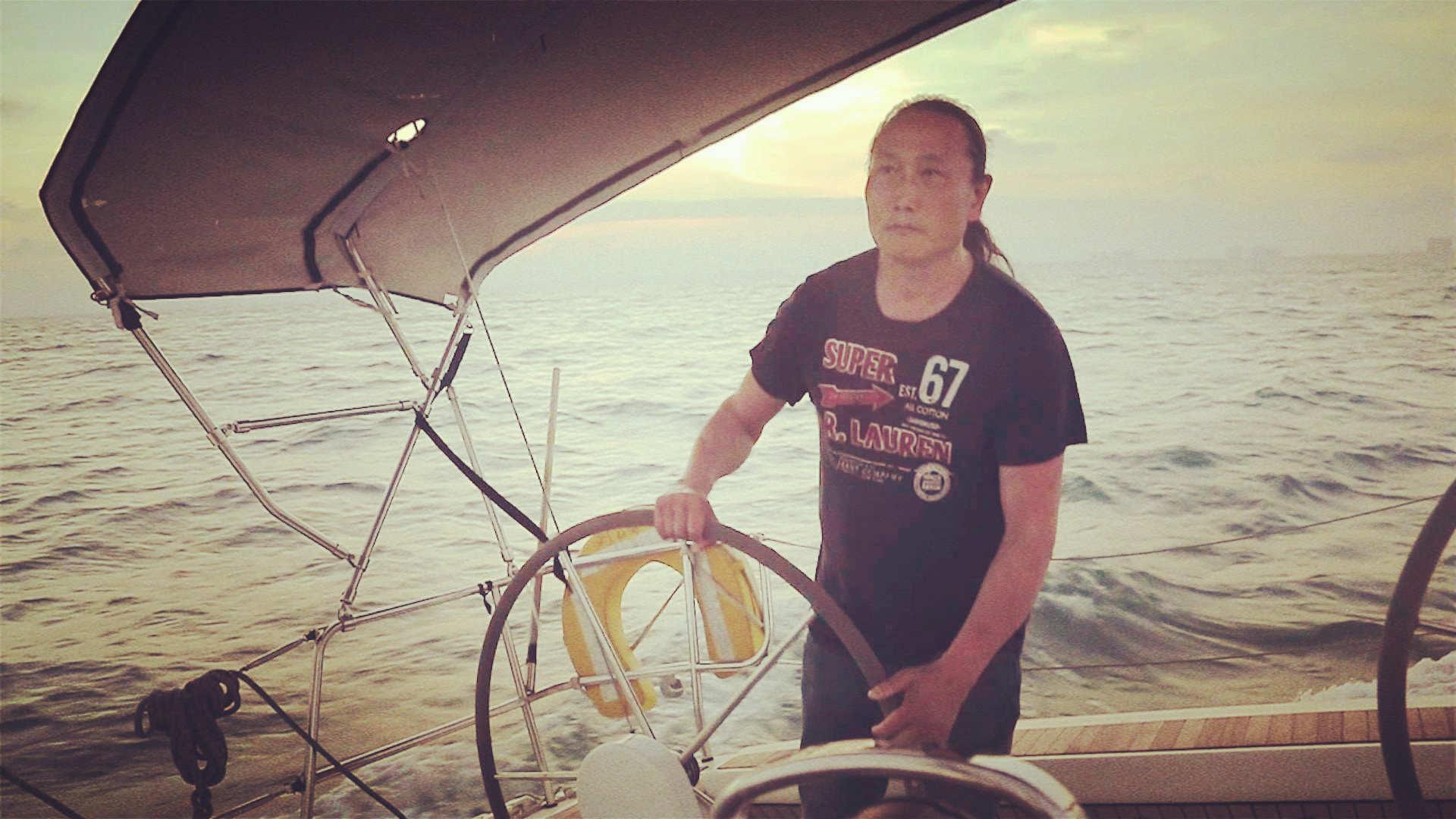 五洲四海山东人|世界海洋日,看航海家翟墨穿行海上的故事