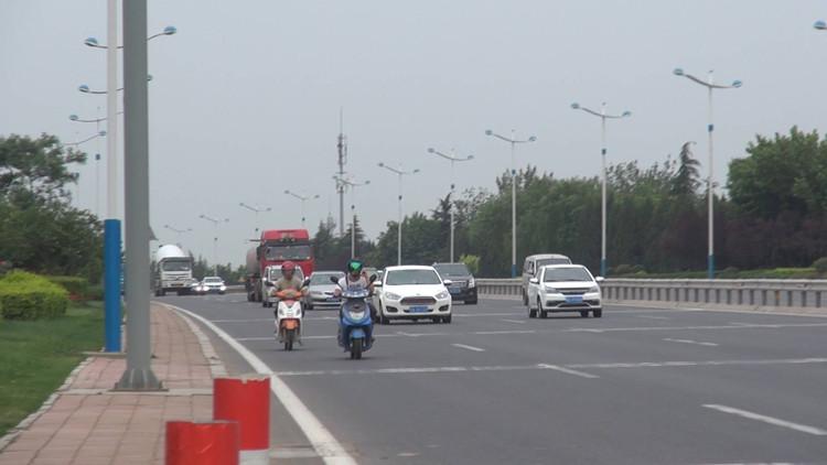 100秒|济南经十东路17公里非机动车道玩消失 道路划线归谁管?