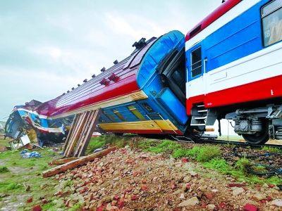太危险!为泄私愤济南一村支书用水泥块逼停了火车