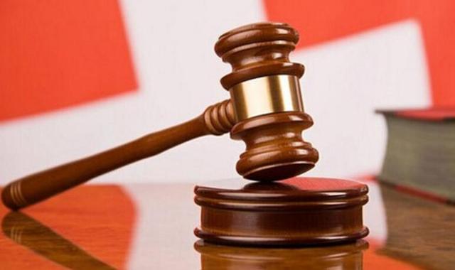 """""""老赖""""长期在外打工拒不还款 法院贴出悬赏公告促执行"""