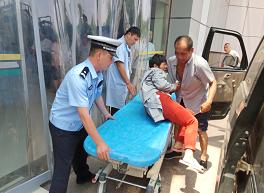 莘县一女子手指不慎被割断 交警紧急送医