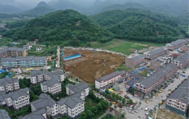 组图:中国速度!宜宾震中首个临时安置房开建 15日内建成