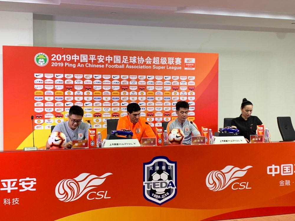李霄鹏:球队多名主力未来天津 德尔加多明天可以踢比赛