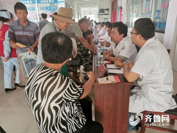 省派牡丹区乡村振兴服务队在黄堽镇组织开展义诊活动