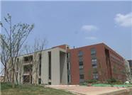 山东第一医学大学24栋单体全部封顶 9月1日迎首批新生