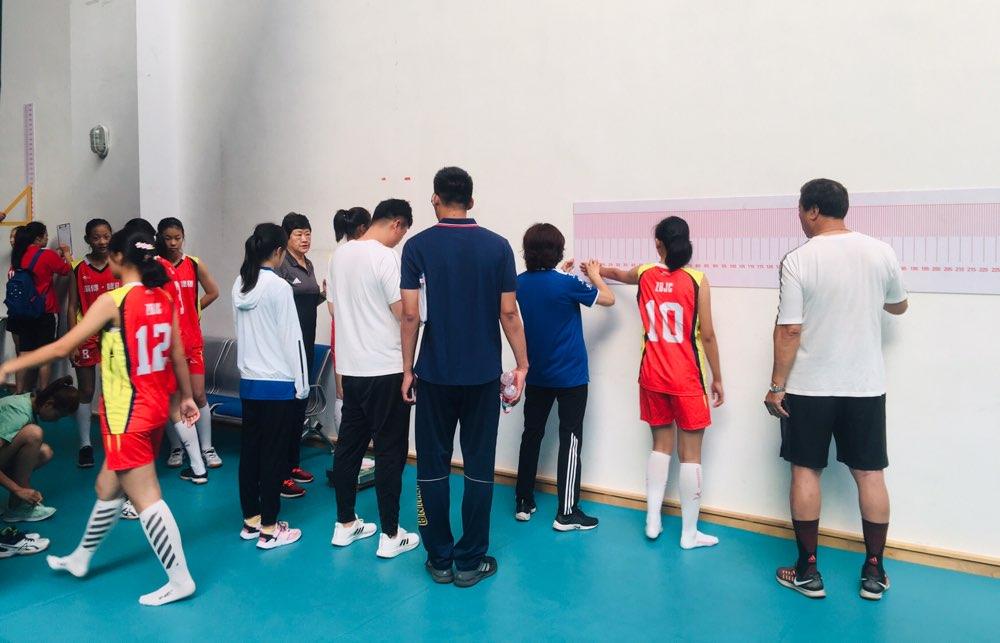 2019年山东省青少年男女排大集训:严谨测量 科学选材
