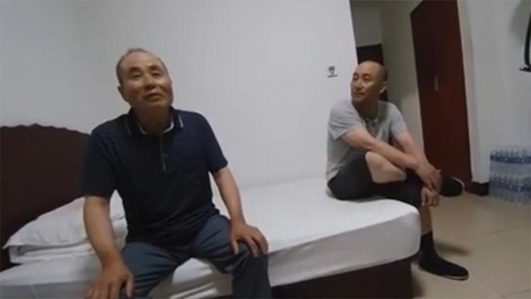"""43秒丨滨州一乘客被""""丢""""在了服务区 事后讲述被""""丢""""经过"""