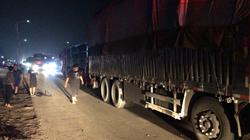 43秒|深夜三辆大货车追尾司机被挤驾驶室,多部门接力救援!