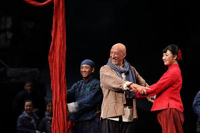 民族歌剧《沂蒙山》:让红色经典在新时代熠熠生辉丨闪电评论