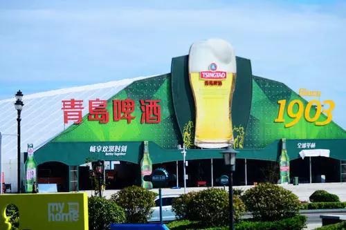 青岛啤酒节各式大篷翘首以待 独特的海水精酿啤酒尝试一下?