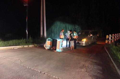 淄博16岁小伙偷开车半路抛锚 自导交通事故找警察拖车