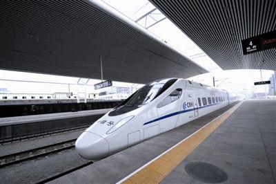 助力青岛国际啤酒节 青岛火车站暑运加开列车