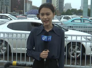 """40秒丨迎战台风""""利奇马""""闪电新闻记者在一线"""