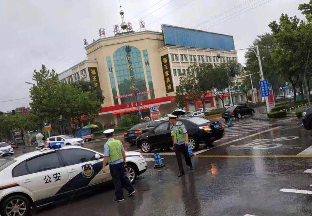 惠民交警发布雨天交通安全提示和积水路段绕行提示