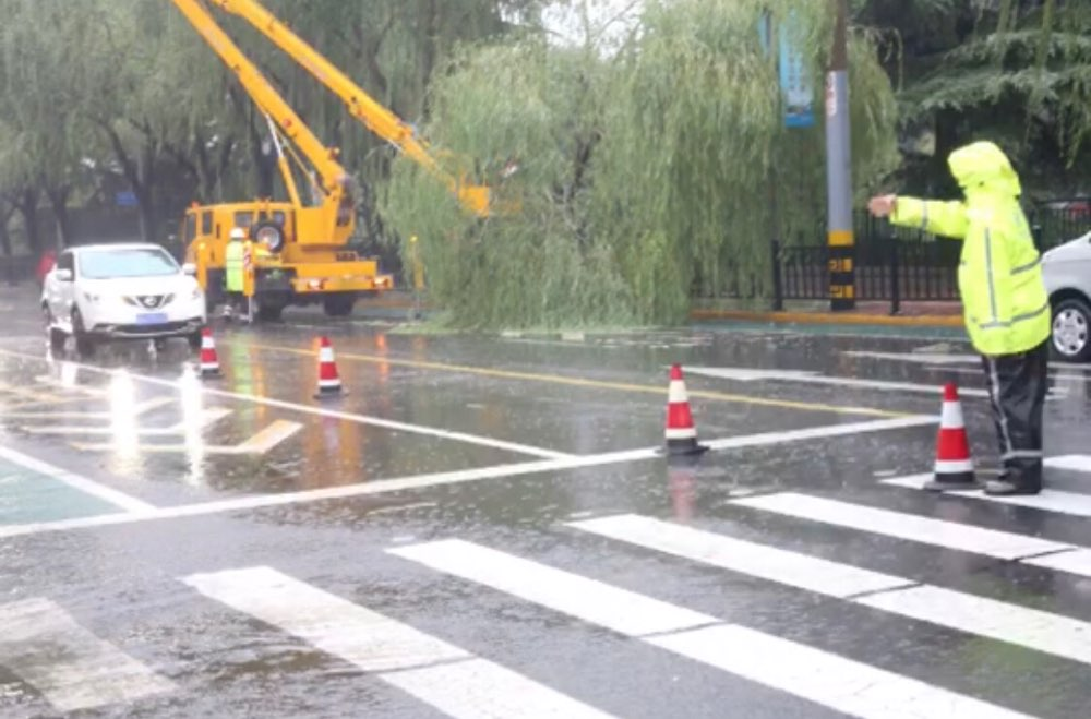 最新路况!济南道路积水交通管制路段由8处减为3处
