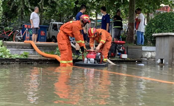 """迎战""""利奇马"""" 德州消防救援队伍疏散、救助被困人员84人"""