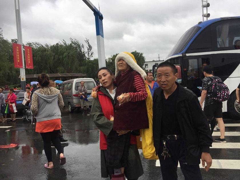 组图|章丘相公庄镇受灾严重  八方驰援解救被困群众