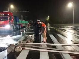 台风路况提醒!潍坊城区道路通行正常 荣乌高速解除限行
