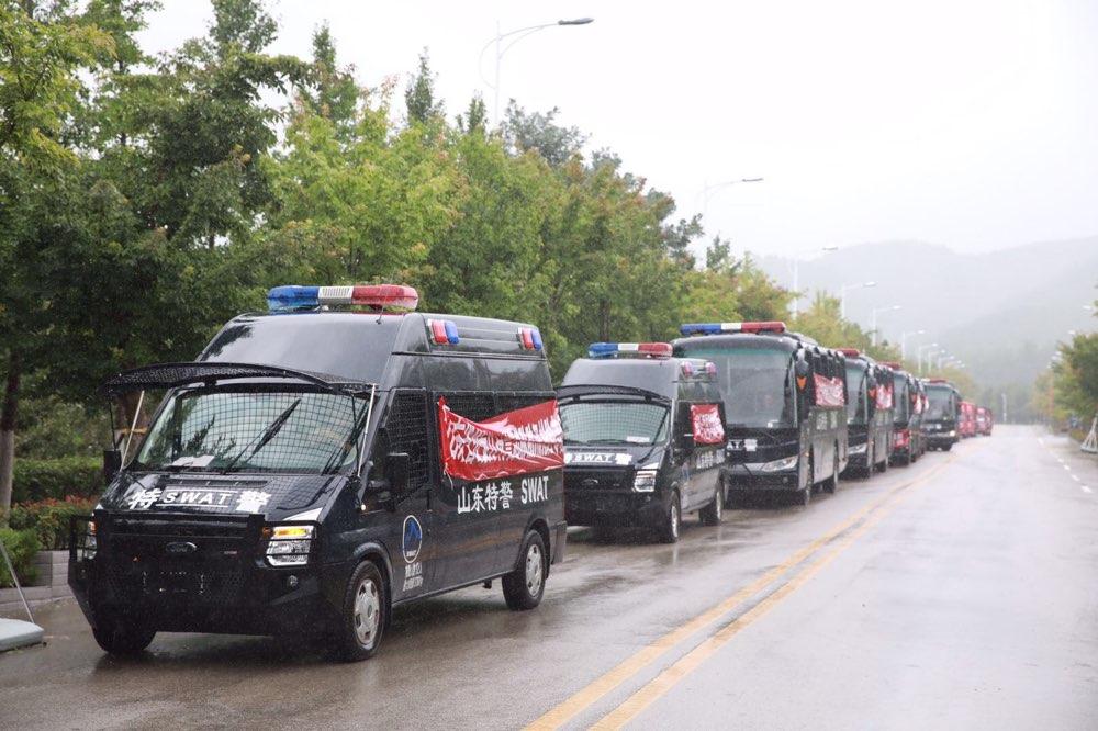 全省出动警力18万余人次抗洪抢险 1600余名公安特警紧急驰援寿光灾区