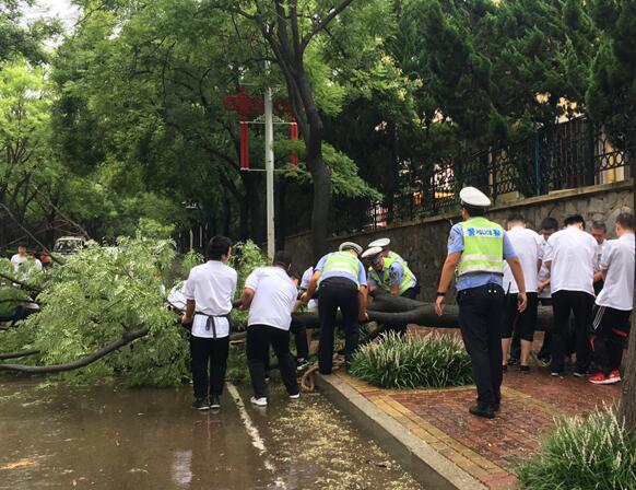 山东交通运输系统共派出工作组1360个 全力做好防汛防台风工作