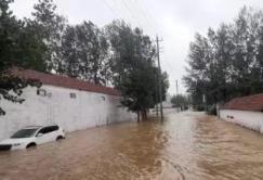 章丘区全力组织抢险排涝 组织各类工程机械、车辆2000台套