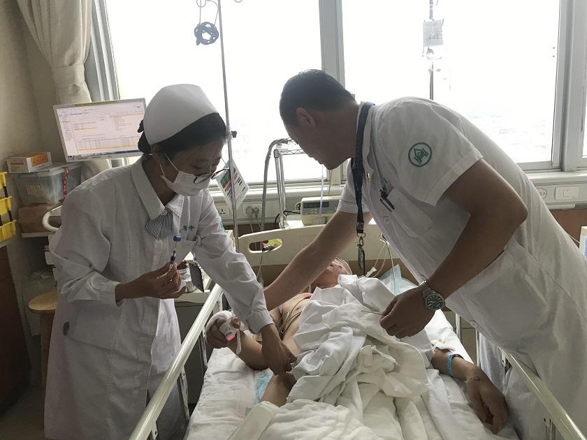 救灾中遭遇滑坡受伤的青州干部已转院济南,病危时刻他仍牵挂着群众