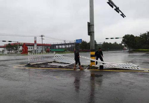 无棣交警全面排查维护交通信号灯和基础设施