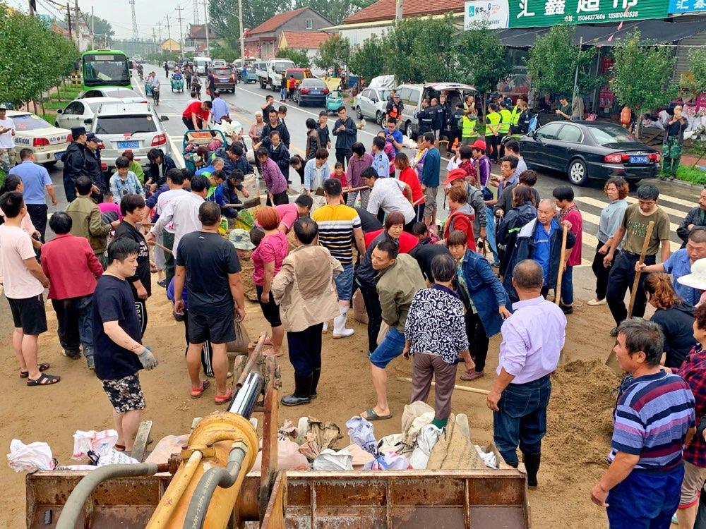 """紧急转移群众5.5万 全城""""同舟共济""""彰显淄博力量"""