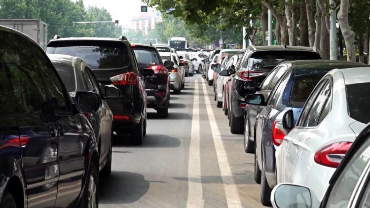 86秒丨潍坊虞河路这些公共停车位即将取消 就医车辆可别乱停