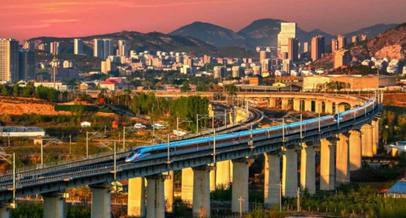 铁路暑运收官 中国铁路济南局发送高铁旅客1980万人次