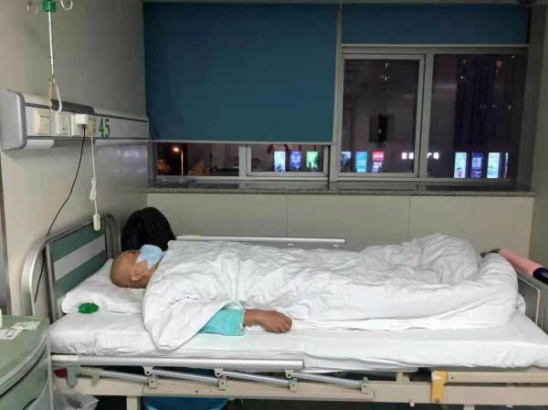 教师节,临沂这位女教师要在病房里度过,学校老师集体献爱心