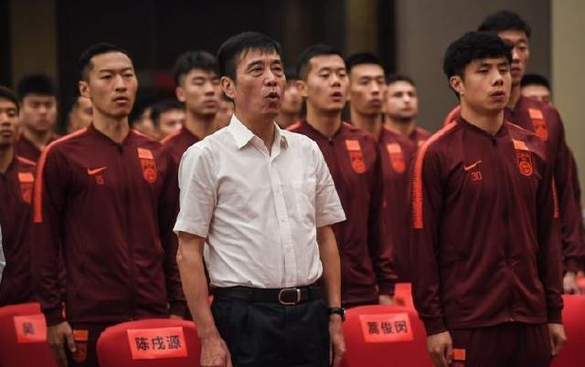 队长蒿俊闵带领国足将士宣誓 鲁能备战两将基本伤愈复出