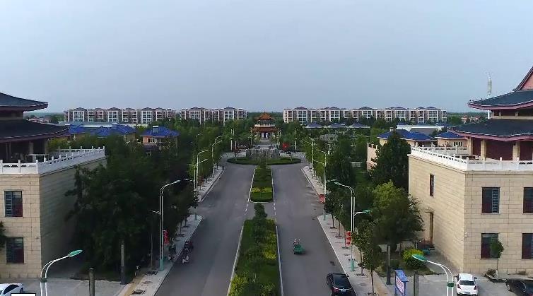 """贫困村变""""别墅村""""菏泽玉皇新村的巨变"""