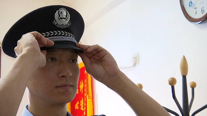 """【基层民警风采】反扒""""铁鹰""""唐凯:忠诚尽责 确保旅客生命安全"""
