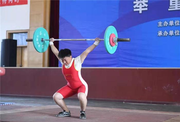 潍坊市第二十届运动会举重项目开赛 一直持续至11日